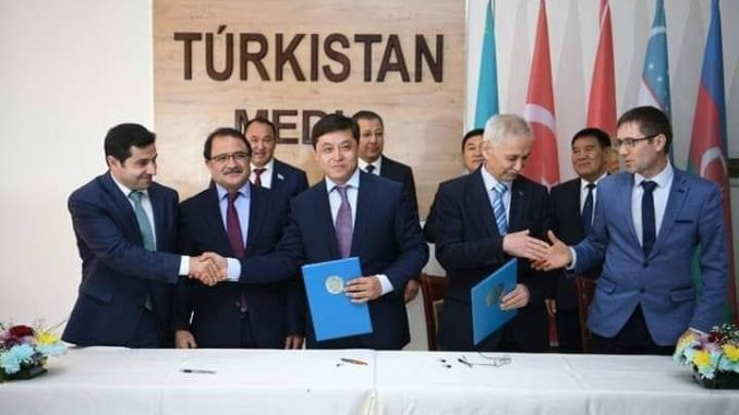 Түркістан облысы ішкі саясат барқармасы шетел басылымдарымен меморандумға отырды